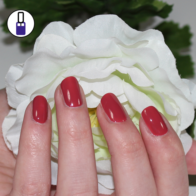 essie-in-stitches-01